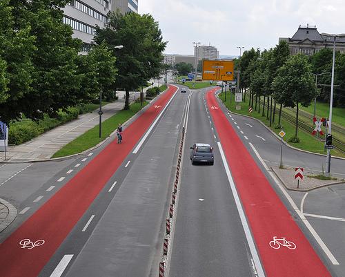 Мінрегіон вводить обов'язкове проектування велосипедних доріжок при будівництві доріг